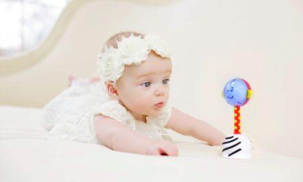Giveaway: SmartNoggin NogginStik® Developmental Light-up Rattle