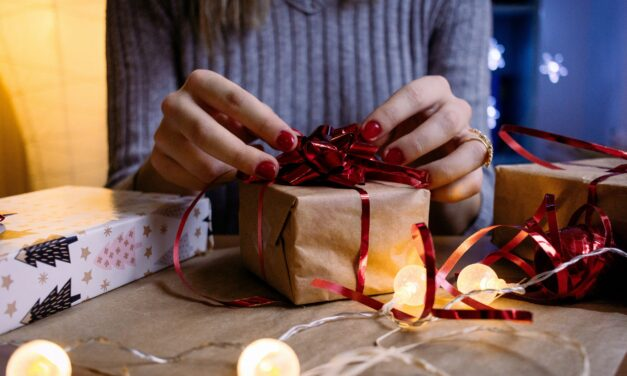 Gifts for New Parents: 5 Gift Ideas That Can Never Go Wrong
